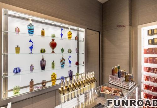 不锈钢玻璃香水店展示柜案例