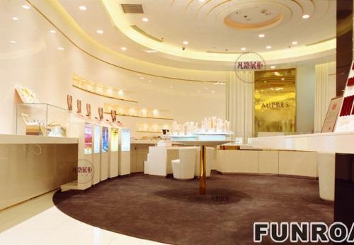 高端品牌化妆品体验店展示柜案例