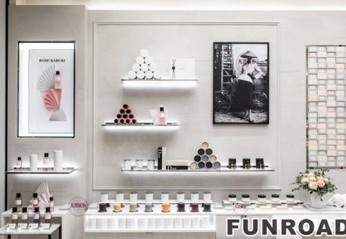 时尚化妆品烤漆展柜案例