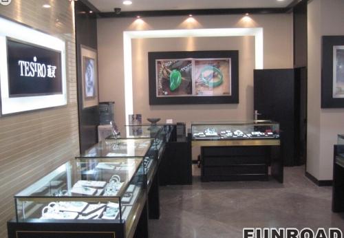 珠宝展示柜:通灵珠宝展示厅设计制作效果图