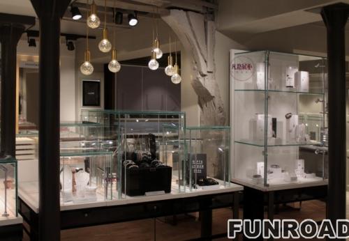 卡地亚不锈钢珠宝展柜设计公司凡路装饰